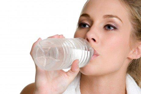 Hidratação para prevenção de pedras nos rins